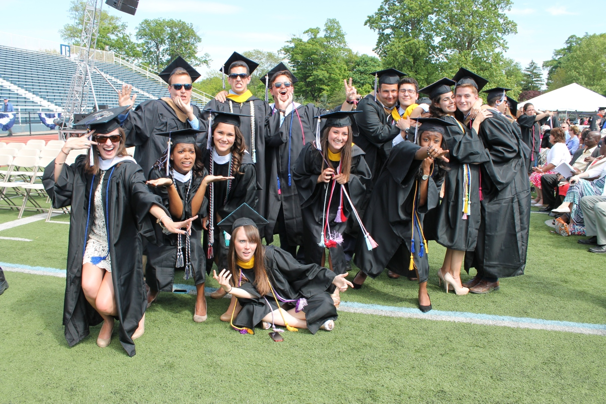 "15 Things College Grads Wish They Knew Before Getting to the ""Real World"""